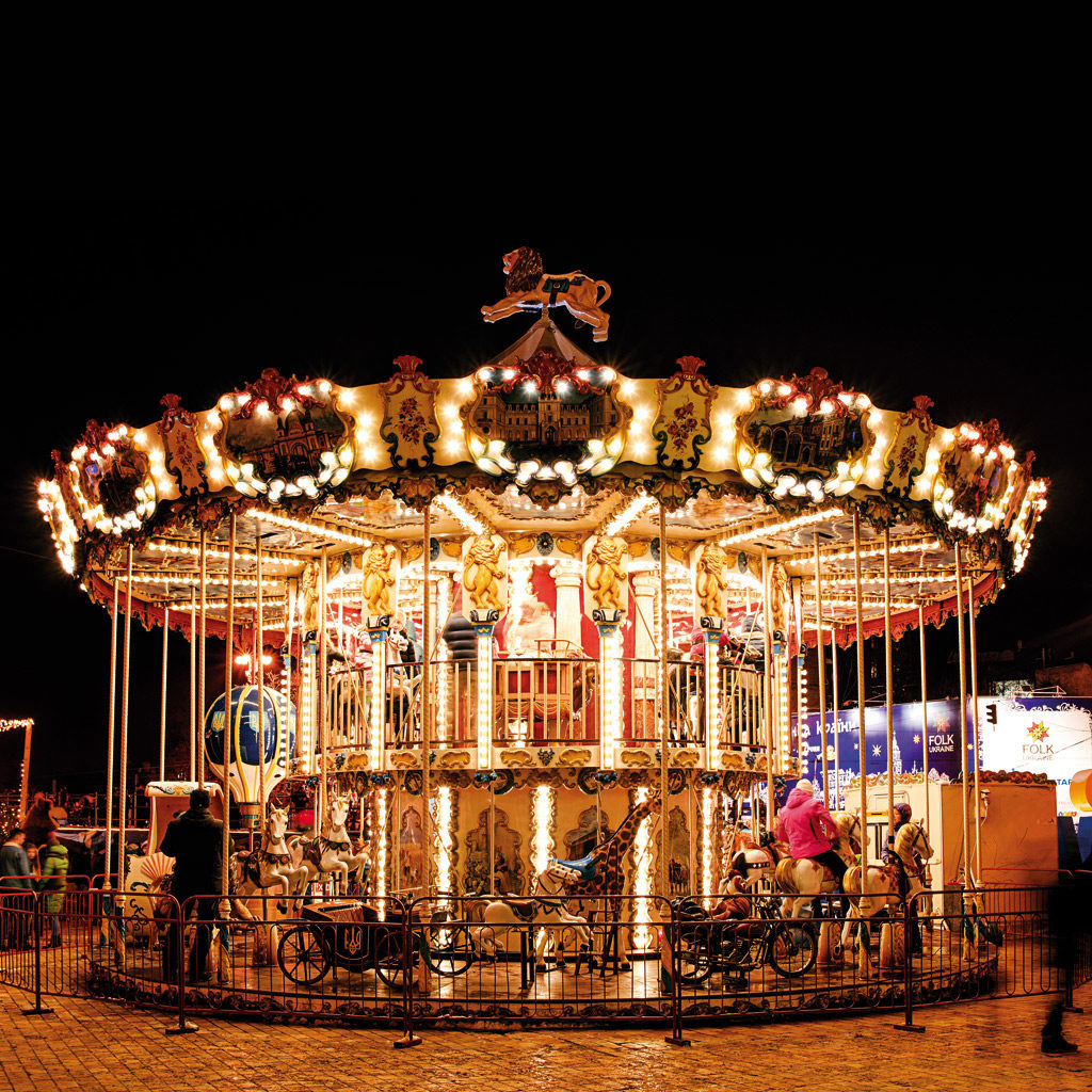 classical-carousel-at-night